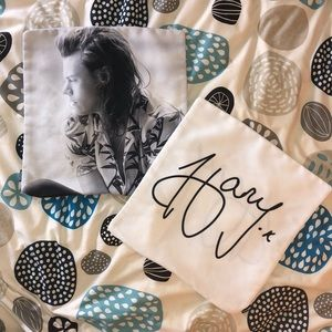 Harry Styles' Square Pillow Cases